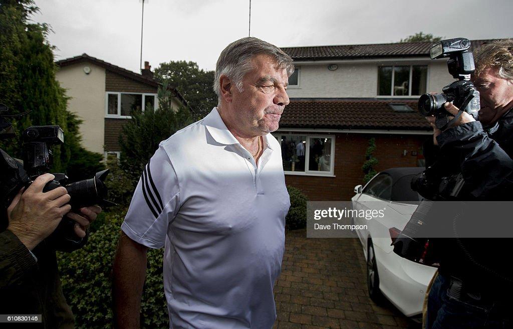 Sam Allardyce Leaves England Football Managers Position After Newspaper Allegations : ニュース写真