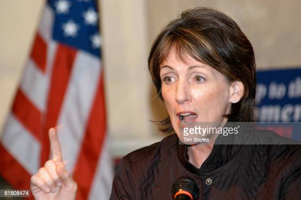 Former EPA director Carol Browner speaks to a group of John Kerry supporters October 19 2004 in Tampa Florida Browner and actor Leonardo DiCaprio...