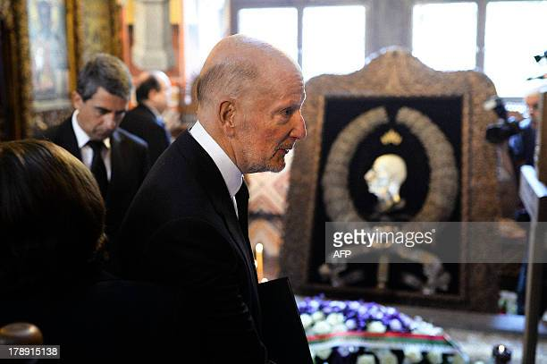Former exiled Bulgarian king and former Prime Minister Simeon SaxeCoburgGotha pays his respects in front of the tomb of the late King Boris III...