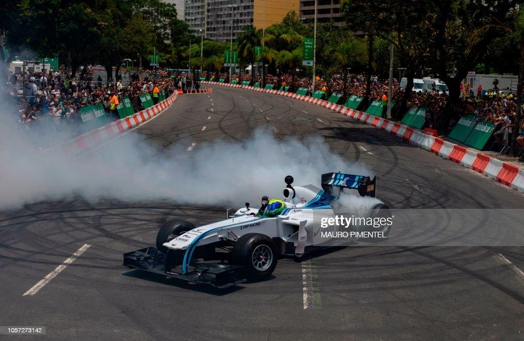 TOPSHOT-F1-BRAZIL-MASSA : Fotografia de notícias