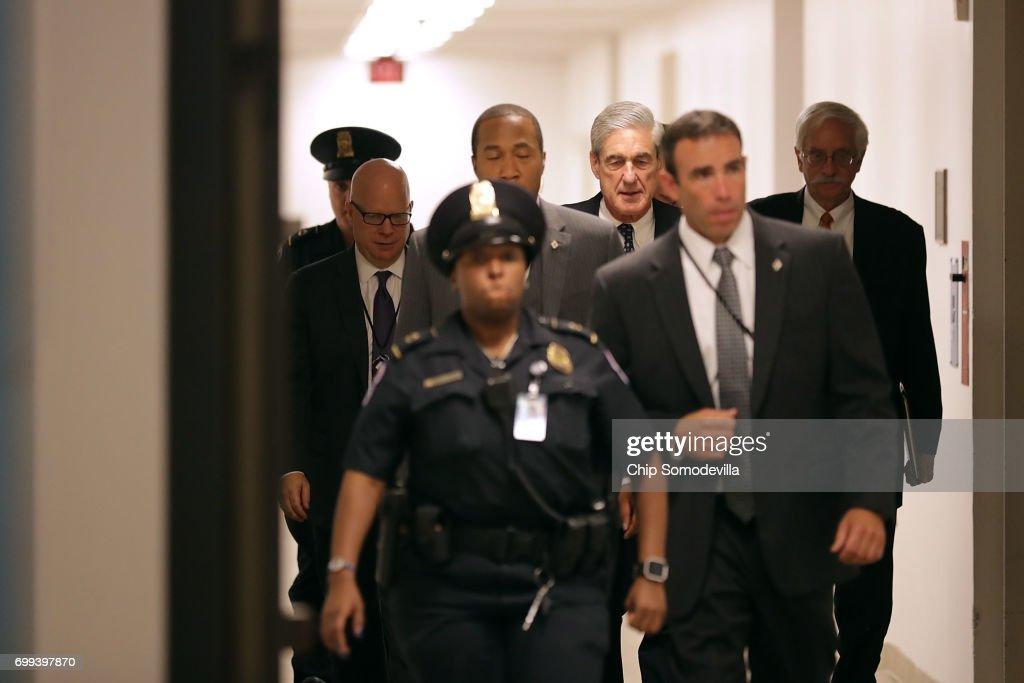 Special Prosecutor Robert Mueller Briefs Senate Intel Committee On Capitol Hill : News Photo