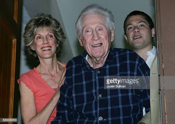 Former FBI official W Mark Felt stands with his daughter Joan Felt and grandson Nick Jones May 31 2005 in Santa Rosa California An article written in...