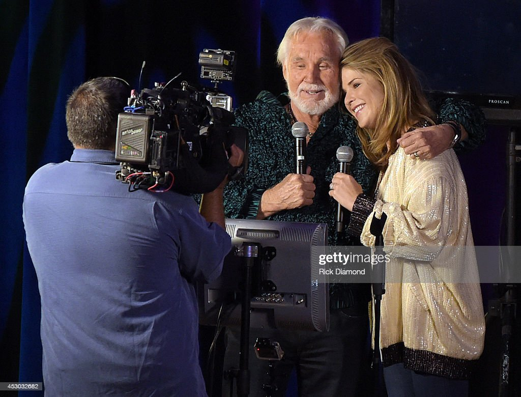 "Kenny Rogers Visits NBC's ""Today"" : News Photo"