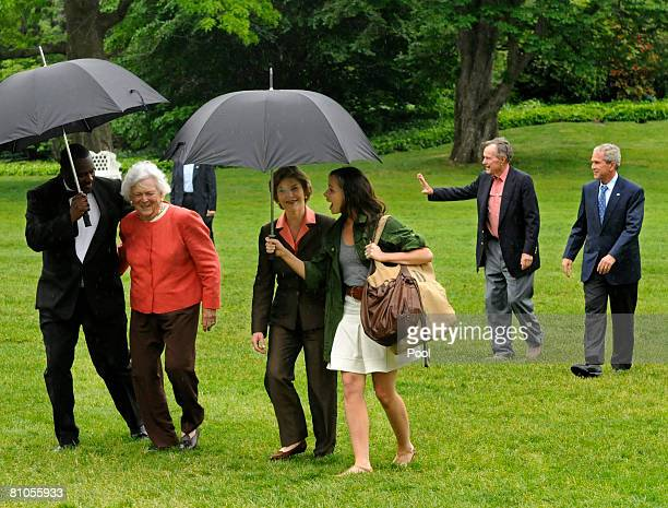 Former first lady Barbara Bush First Lady Laura Bush daughter Barbara Bush former President George HW Bush and President George W Bush arrive at the...