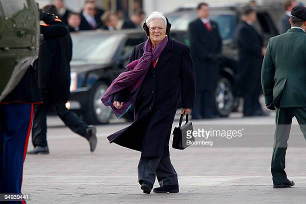 Former first lady Barbara Bush wife of former President George HW Bush walks to a helicopter at the US Capitol after President Barack Obama's...