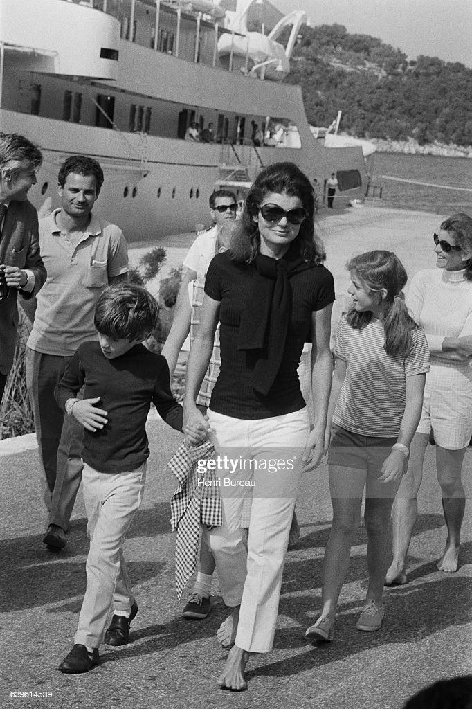 Former First Lady Jacqueline Kennedy Onassis : Fotografía de noticias