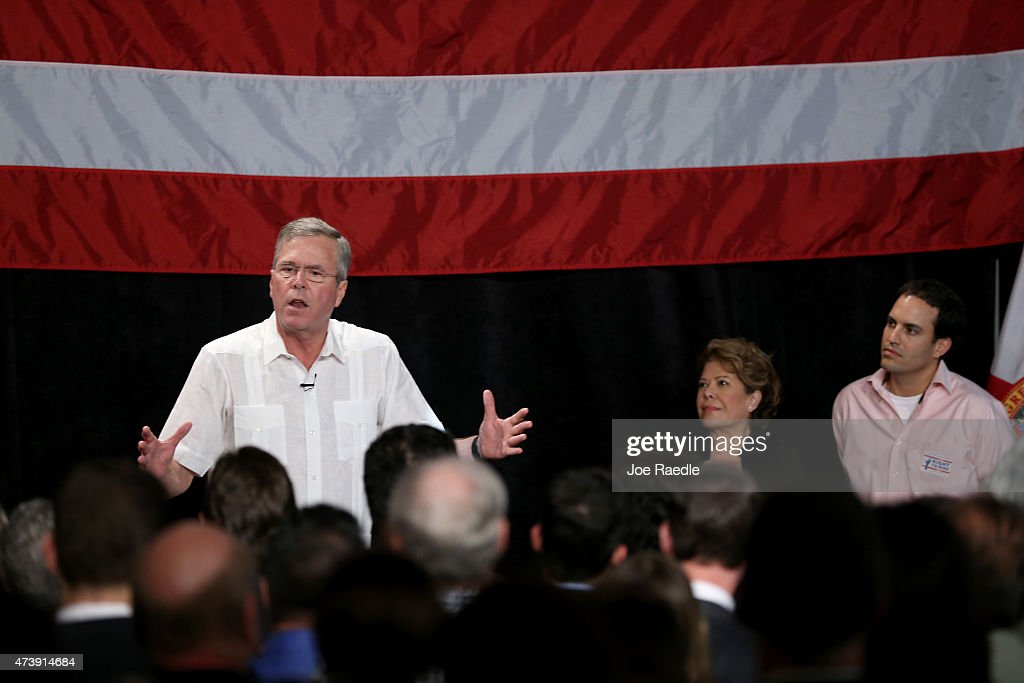 Jeb Bush Attends Reception Hosted By Right To Rise PAC : News Photo