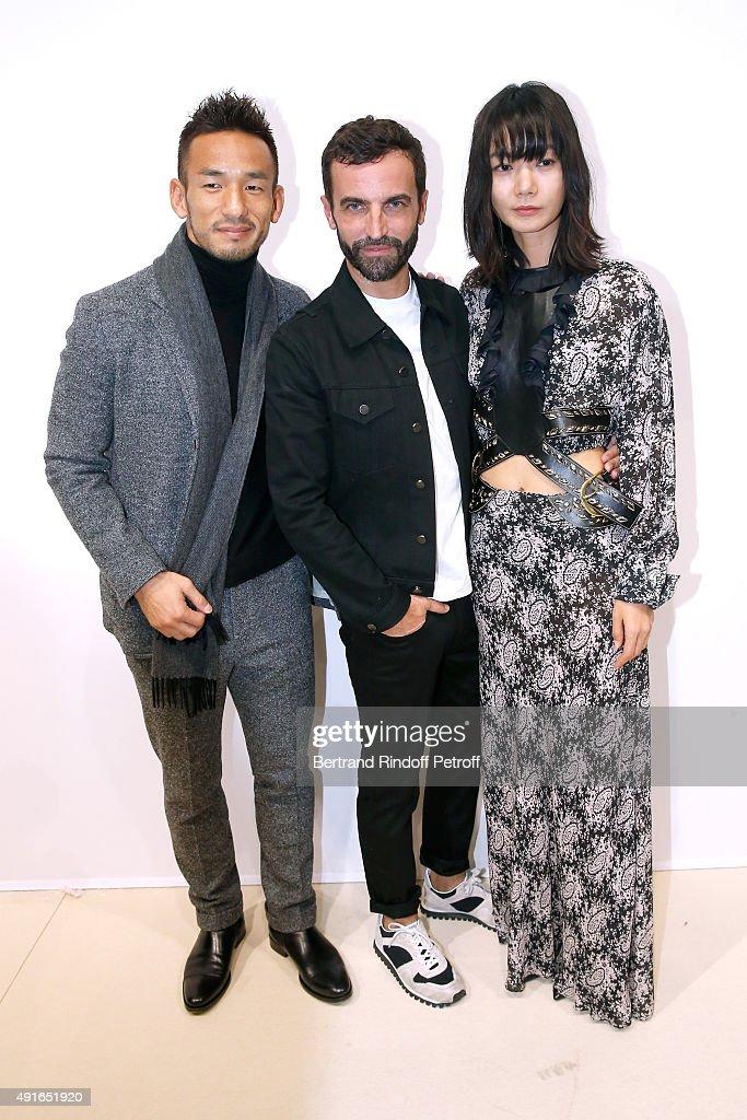 Louis Vuitton : Backstage - Paris Fashion Week Womenswear Spring/Summer 2016