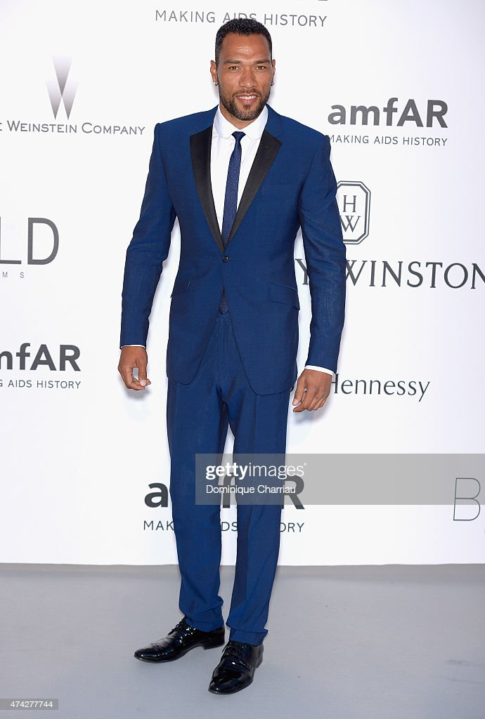 ¿Cuánto mide John Carew? - Real height Former-footballer-john-carew-attends-amfars-22nd-cinema-against-aids-picture-id474277744