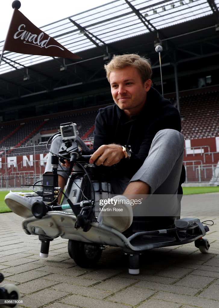 Former Formula One Worldchampion Nico Rosberg of Germany in action during the viva con aqua social e-cart race at Millerntor Stadium on August 22, 2017 in Hamburg, Germany.