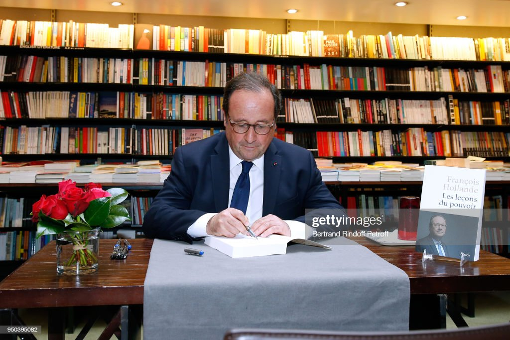"""Les Lecons Du Pouvoir"" : Former French President Francois Hollande's Book Signing At Librairie Galignani In Paris"