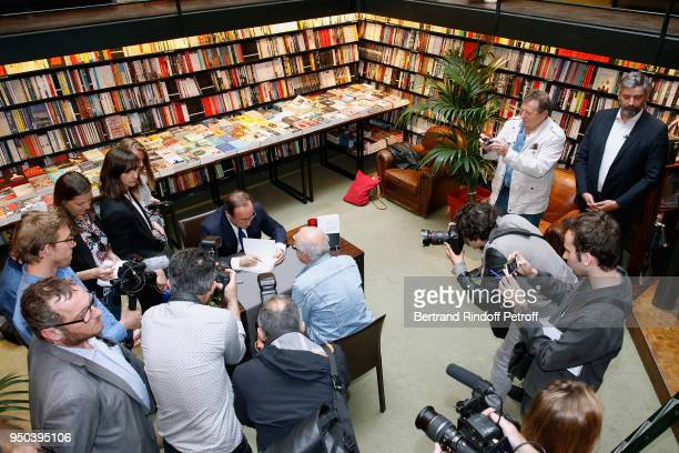 Former French President Francois Hollande signs his book Les lecons du pouvoir at Librairie Galignani on April 23 2018 in Paris France