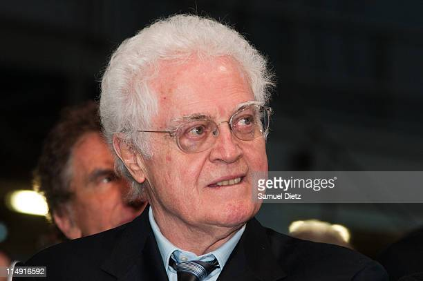 Former French Prime Minister Lionel Jospin attends the French Socialist Party National Convention on May 28 2011 in Paris The National Convention was...