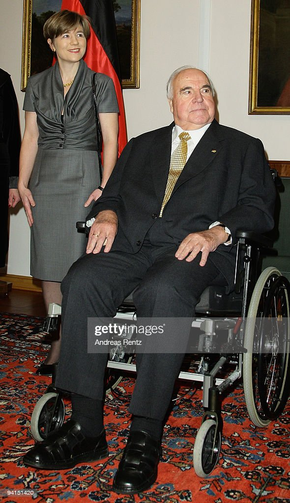 Former German Chancellor Helmut Kohl and his wife Maike Richter-Kohl attend a private dinner at Bellevue Pallace on December 8, 2009 in Berlin, Germany. German President Horst Koehler honored Kohl for the lifework of the former German chancellor. Kohl will celebrate his 80th birthday on April 3, 2010.