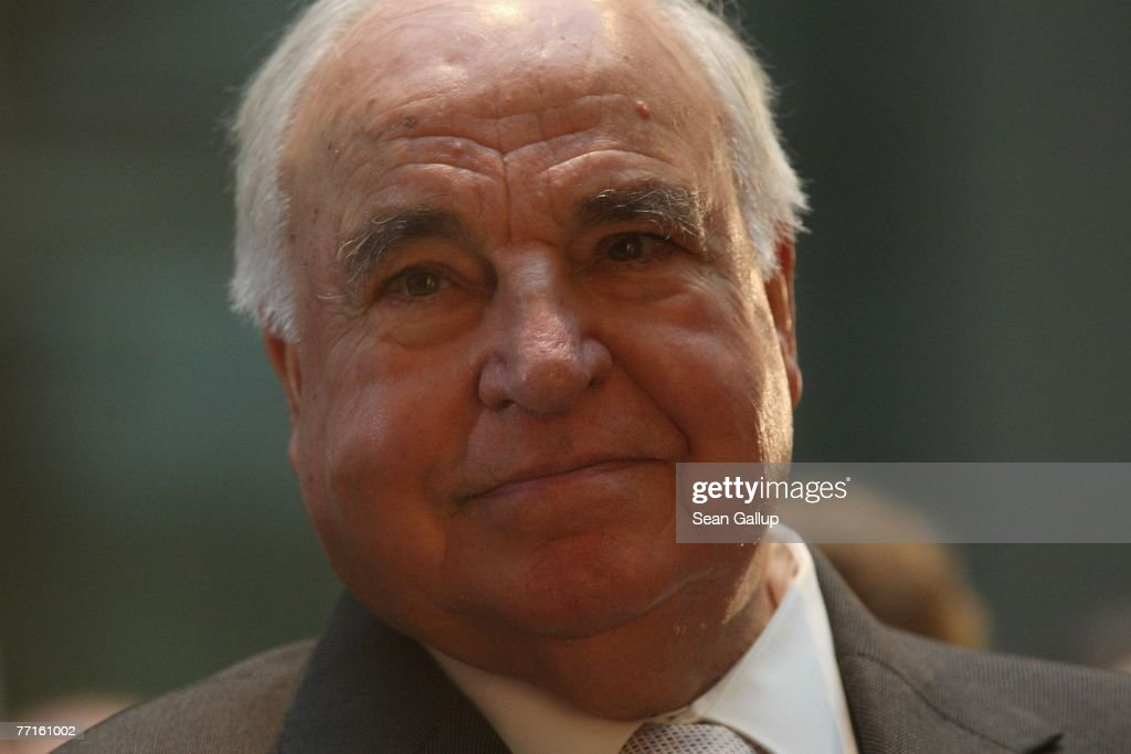 Helmut Kohl Bust Unveiling