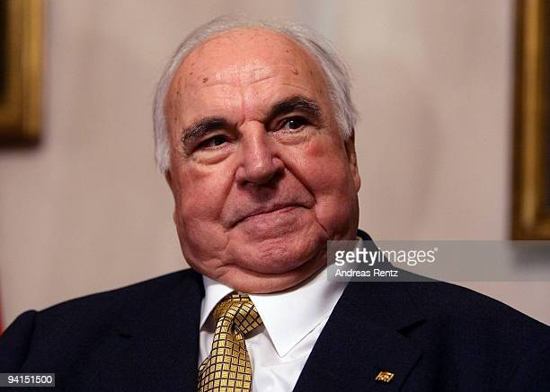 Former German Chancellor Helmut Kohl attends a private dinner at Bellevue Pallace on December 8 2009 in Berlin Germany German President Horst Koehler...