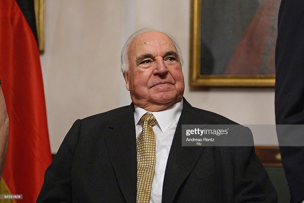 Koehler Hosts Dinner For Former Chancellor Kohl