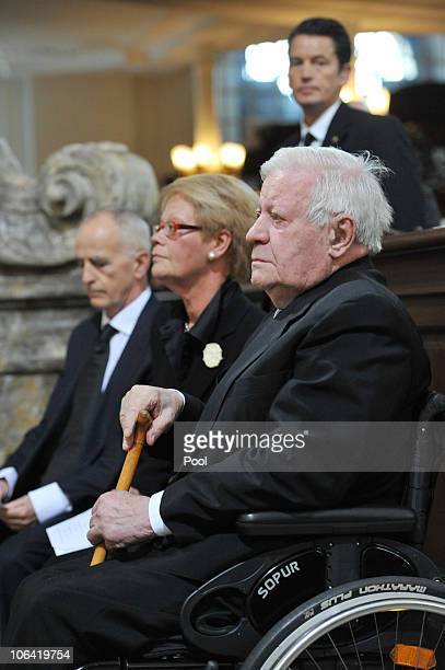 Former German Chancellor Helmut Schmidt and his daughter Susanne attend the memorial service for Loki Schmidt wife of former German Chancellor Helmut...