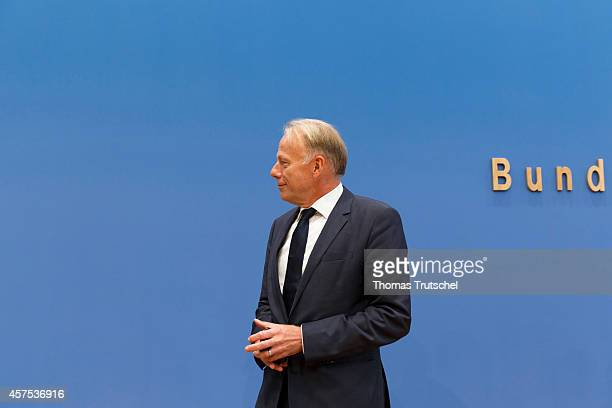 Former German Environment Minister Juergen Trittin speaks to the media at Bundespressekonferenz on October 20, 2014 in Berlin, Germany. The...