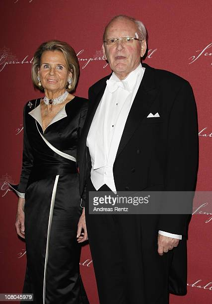 Former German President Roman Herzog and his wife Alexandra Freifrau von Berlichingen arrive at the Semper Opera ball on January 14 2011 in Dresden...