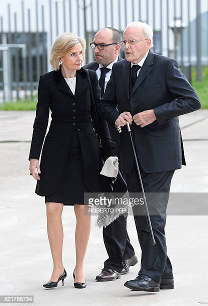 Former German President Roman Herzog and his wife Alexandra Freifrau von Berlichingen arrive for the state funeral for former German foreign Minister...