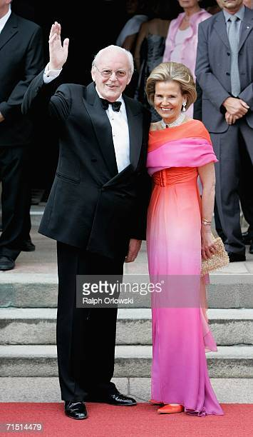 Former German President Roman Herzog and his wife Alexandra Freifrau von Berlichingen arrive for the opening performance of Richard Wagner's 'Der...