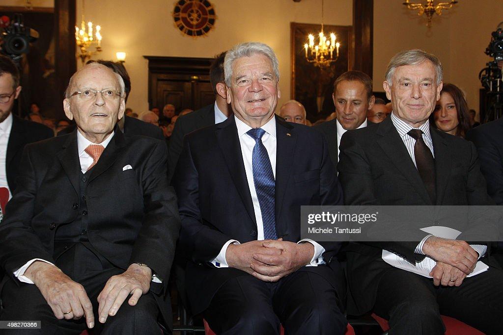 Friedrich-August-von-Hayek Award 2015