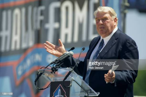 Former head coach John Madden delivers the introduction speech for Dave Casper before his induction into the National Football League Hall of Fame on...
