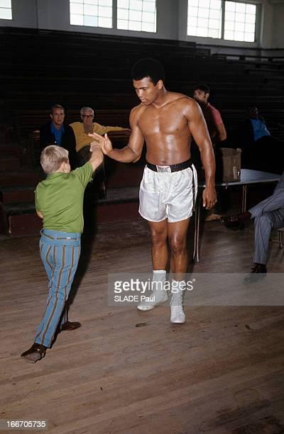 Former Heavy Weight World Champion Cassius Clay Prepares His Return Against Jerry Quarry Aux EtatsUnis à Atlanta en octobre 1970 Mohamed ALI alias...