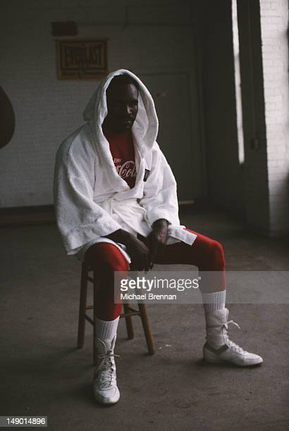 Former heavyweight and cruiserweight boxing champion Evander Holyfield training in Houston Texas 1994