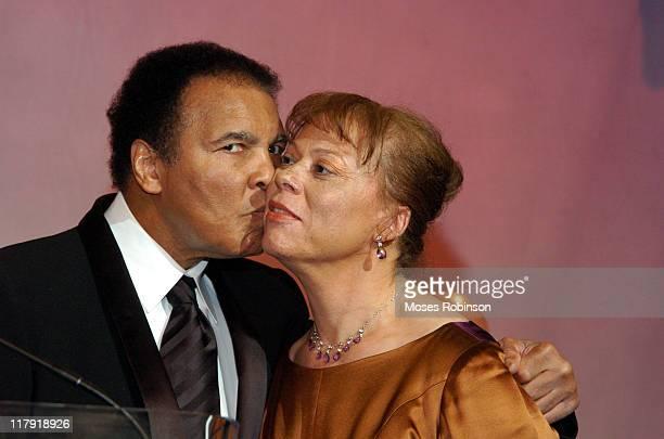 Former Heavyweight Champion Muhammad Ali Kisses his wife Lonnie