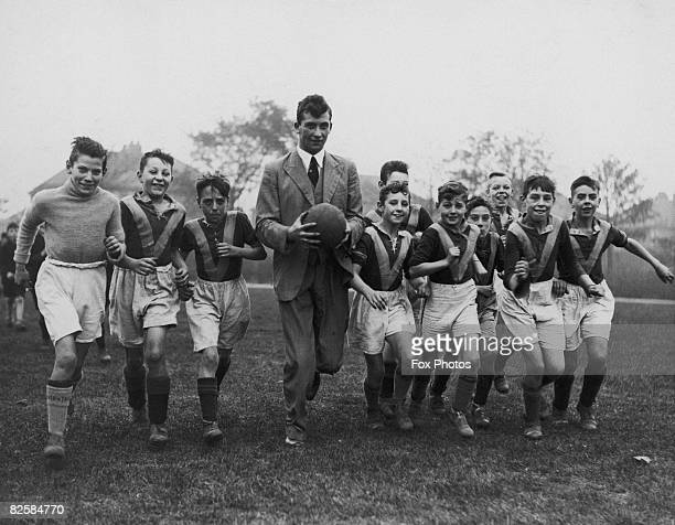 Former Huddersfield Town goalkeeper Bob Hesford takes a team of schoolboys out for a training session At Brownhill Boys' School Leeds 23rd October...