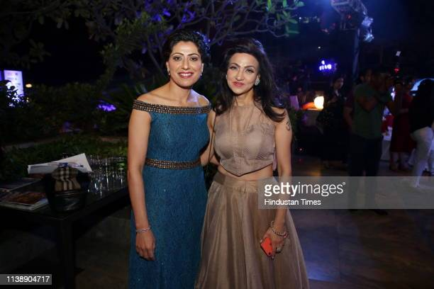 Former Indian cricketer Anjum Chopra with fashion designer vandy Mehra during India Men Show on April 18 2019 in New Delhi India