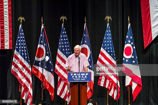 Former Indiana basketball coach Bobby Knight speaks to supporters at a rally for Republican presidential nominee Donald Trump at the Stranahan...