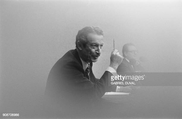 Former Iranien Prime minister Shapour Bakhtiar answers newsmen in a radio broadcast in Paris September 301979 Shapour Bakhtiar had to flee Iran on...