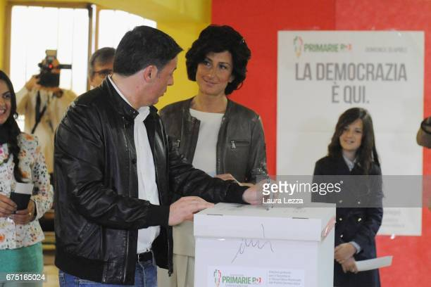 Former Italian Prime Minister and PD secretary Matteo Renzi and his wife Agnese Renzi cast their vote for Democratic Party leadership primaries on...