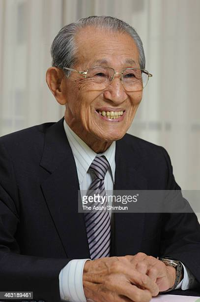 Former Japanese Imperial Army intelligent officer Hiroo Onoda speaks during the Asahi Shimbun interview on June 22 2010 in Tokyo Japan Leutinant...