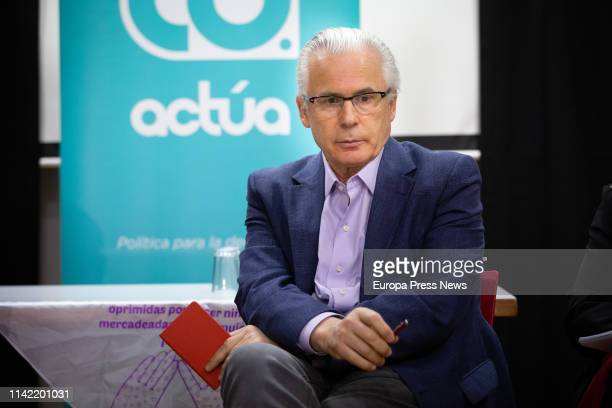 Former judge Baltasar Garzon, promoter of the political platform Actua, meets with human rights and social activists on April 12, 2019 in Barcelona,...