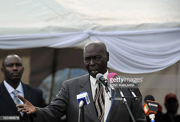 Former Kenyan President Daniel Moi delivers a speech at a 'No' rally called by religious leaders in opposition to the proposed Kenya constitution in...