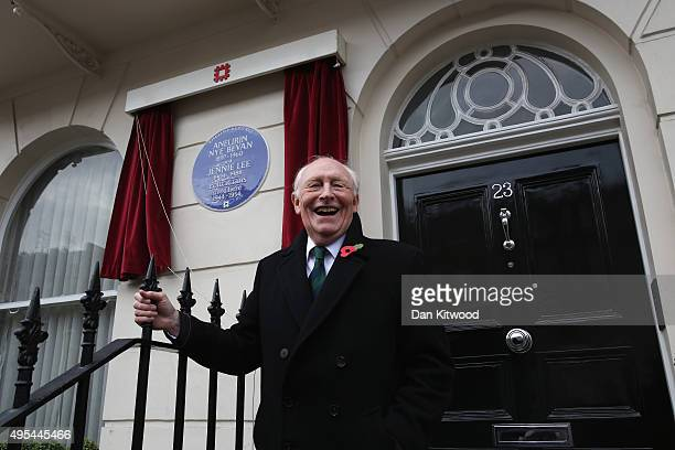 Former leader of the Labour Party Neil Kinnock unveils an English Heritage Blue Plaque on Cliveden Place in Chelsea on November 3 2015 in London...