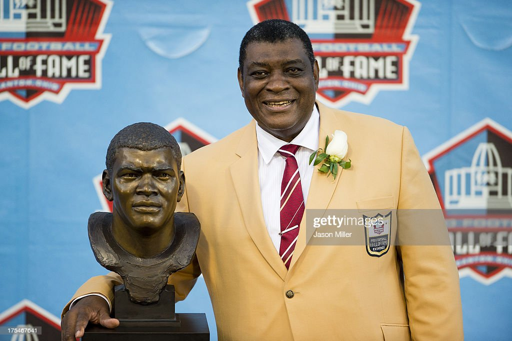 Former linebacker Dave Robinson of the Green Bay Packers poses with his Hall of Fame bust during the NFL Class of 2013 Enshrinement Ceremony at Fawcett Stadium on Aug. 3, 2013 in Canton, Ohio.