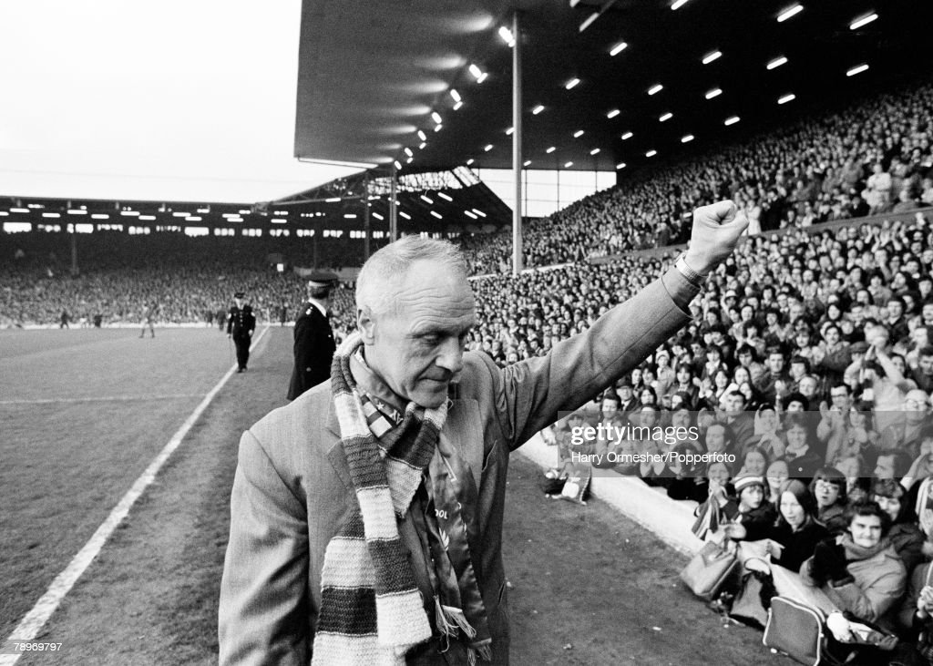 Sport, Football, Bill Shankly testimonial, Anfield, May 1975, Liverpool Manager Bill Shankly salutes the Anfield faithfull one last time as he sees the curtain come down on his successful career as Liverpool Manager