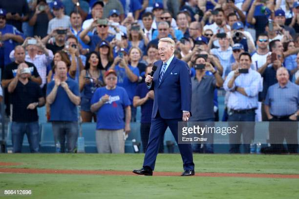 Former Los Angeles Dodgers broadcaster Vin Scully speaks to fans before game two of the 2017 World Series between the Houston Astros and the Los...
