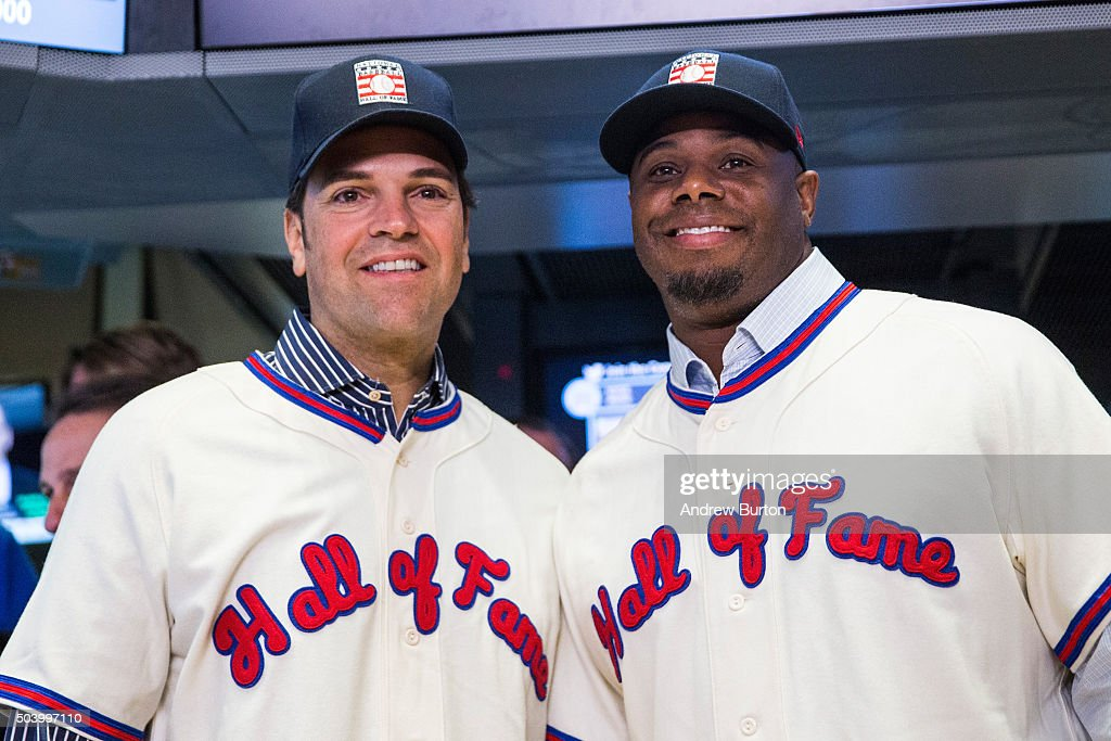 Former Major League Baseball players Mike Piazza (L) and Ken Griffey Jr. pose for a photo after ringing the opening bell at the New York Stock Exchange on the morning of January 8, 2016 in New York City. Piazza and Griffey were elected to the Baseball Hall of Fame this week.