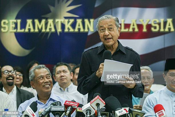 Former Malaysian prime minister Mahathir Mohamad speaks to journalist during the news conference 'Save Malaysia' signing of the declaration demanding...