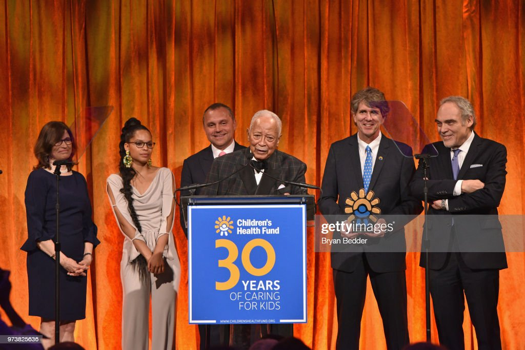 former mayor of new york city david dinkins accepts the american news photo getty images https www gettyimages ca detail news photo former mayor of new york city david dinkins accepts the news photo 973825636