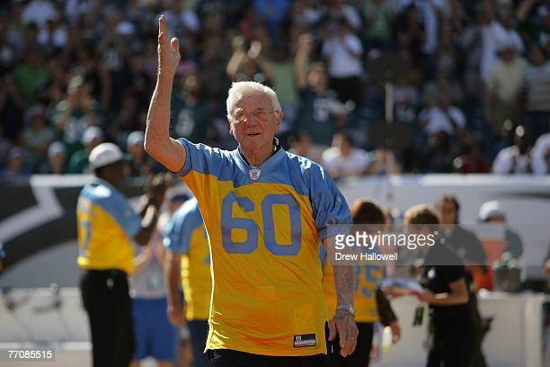 Former middle linebacker of the Philadelphia Eagles Chuck Bednarik acknowledges the crowd during the game between the Detroit Lions and Philadelphia...