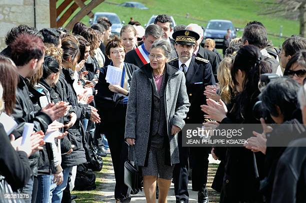 Former minister and European Parliament president and academician Simone Veil is welcomed by students on April 6 2010 upon her arrival at the Izieu...