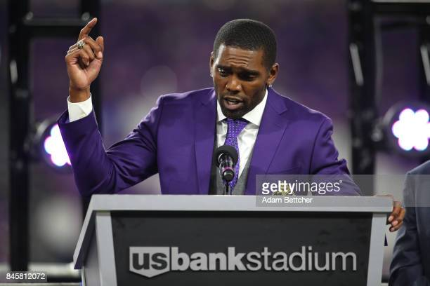 Former Minnesota Viking Randy Moss is inducted in the Vikings Ring of Honor during half time of the game against the New Orleans Saints on September...