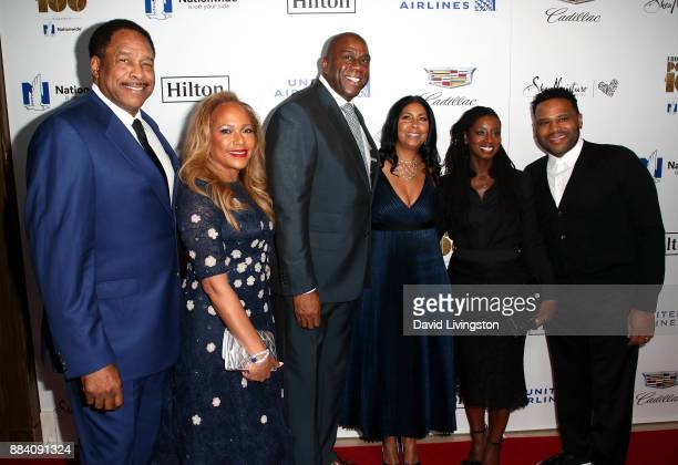 Former MLB player Dave Winfield Tonya Turner former NBA player Magic Johnson Earlitha Kelly Alvina Stewart and actor Anthony Anderson attend Ebony...